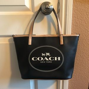 Authentic Coach Metro Horse Carriage Tote